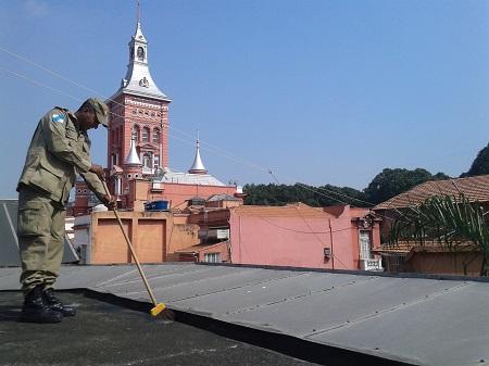 Militares buscaram focos do mosquito Aedes aegypti em suas instalações